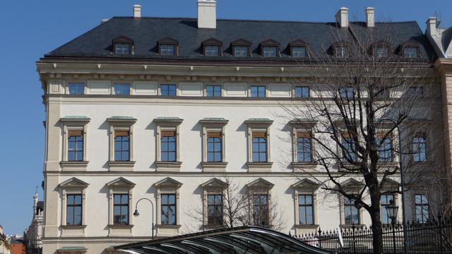 Click to enlarge image Palais-Liechtenstein_1.jpg
